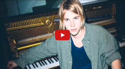 Interprete inglese italiano round table cantante Tom Odell